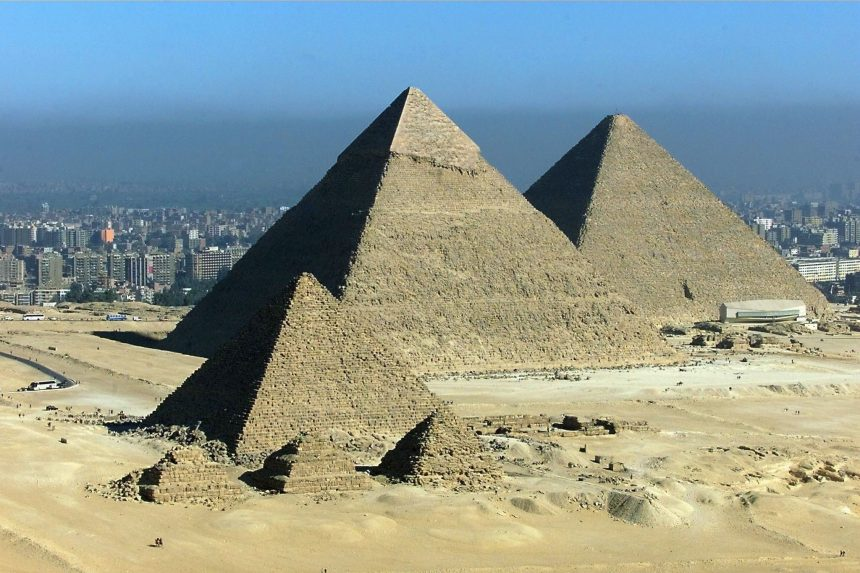 Creation of the great building of pyramids